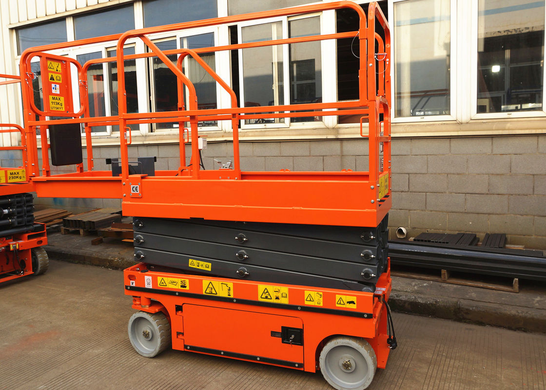 5.8m Self Propelled Aerial Work Platform Industrial For Factory Construction
